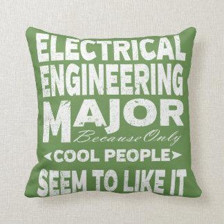Almofada Major pessoas legal da faculdade de engenharia