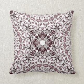 Almofada Mandala floral malva