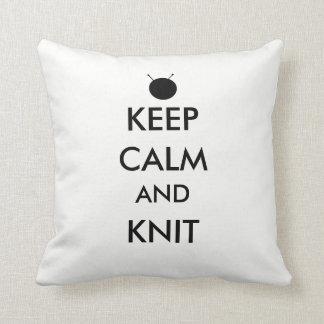 "Almofada ""Mantenha a calma e faça malha"" o travesseiro"