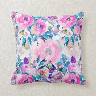 Almofada Mão colorida colagem floral tirada das aguarelas