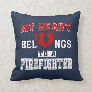 Almofada Meu coração pertence a um sapador-bombeiro