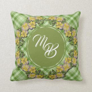 Almofada Monograma amarelo do travesseiro de WreathThrow do