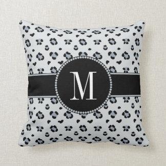 Almofada Monograma cinzento elegante da prata do leopardo