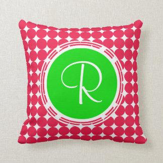 Almofada Monograma verde & vermelho das bolinhas