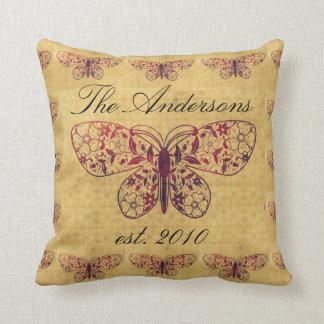 Almofada Mostarda da borboleta do vintage e travesseiro