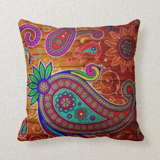 Almofada Multi design bonito de paisley da cor