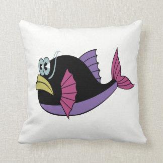 Almofada Multi peixes roxos e pretos do soprador da cor