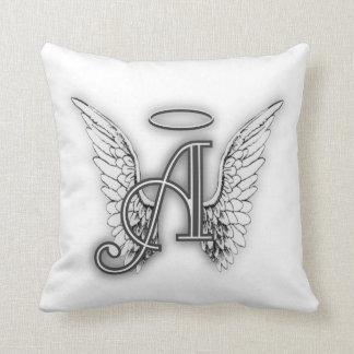 Almofada O alfabeto do anjo um último inicial voa o halo