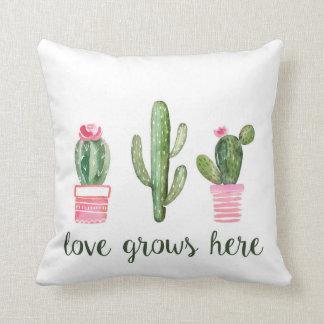 Almofada O amor do cacto cresce aqui o travesseiro