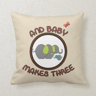 Almofada O bebê bonito dos provérbios faz o travesseiro de