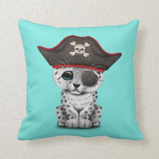 Almofada O leopardo de neve bonito Cub do bebê pirateia