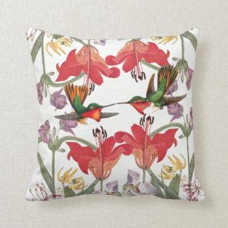 Almofada O lírio dos pássaros dos colibris floresce o