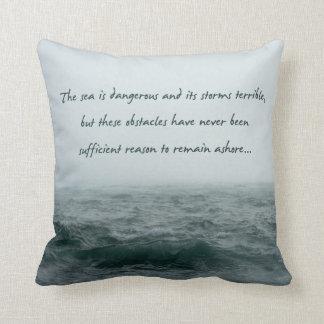 Almofada O mar é travesseiro perigoso das citações de
