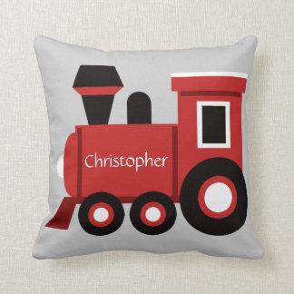 Almofada O travesseiro bonito do menino, trem vermelho com