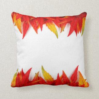 Almofada O travesseiro das folhas de outono, cai decoração