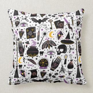 Almofada O travesseiro mágico das ferramentas da bruxa