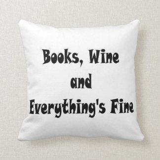 Almofada O vinho dos livros tudo é muito bem travesseiro