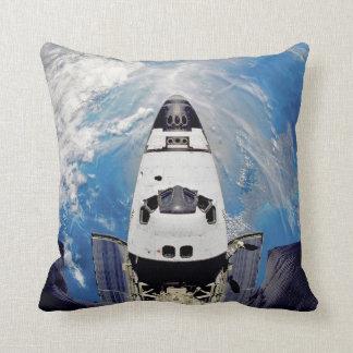 Almofada Órbita de terra de Atlantis do vaivém espacial da