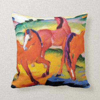 Almofada Os cavalos vermelhos por Franz Marc
