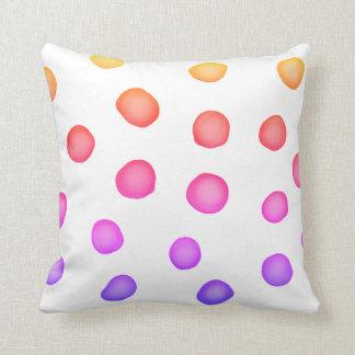 Almofada os pontos pintados coloridos descansam o design