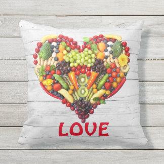 Almofada Para Ambientes Externos Coração vegetal da colagem da foto do amor do