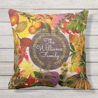 Almofada Para Ambientes Externos Madeira do vintage da colagem das folhas de outono
