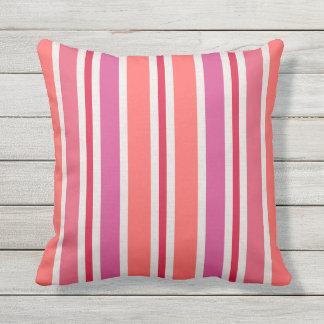Almofada Para Ambientes Externos O verão listra o teste padrão | cor-de-rosa e o