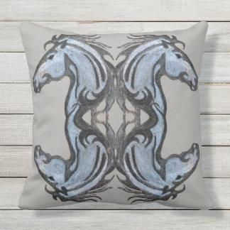 Almofada Para Ambientes Externos Travesseiro decorativo dramático do cavalo