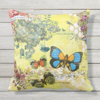 Almofada Para Ambientes Externos Travesseiro exterior floral da borboleta amarela