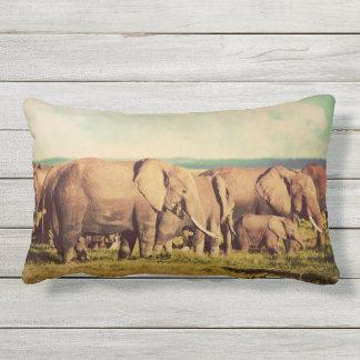 Almofada Para Ambientes Externos Travesseiros decorativos dos elefantes
