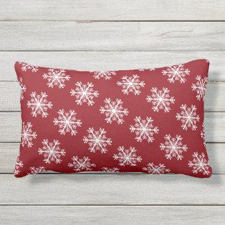 Almofada Para Ambientes Externos Vermelho & branco festivos do floco de neve