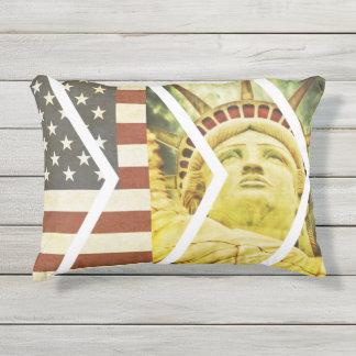 Almofada Para Ambientes Externos Vigas da estátua da liberdade da bandeira dos EUA
