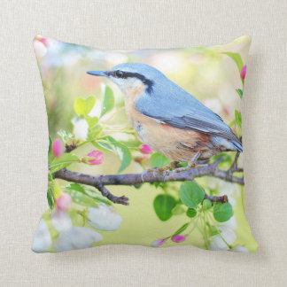 Almofada Pássaro e flores azuis de Apple