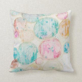 Almofada Pastel gasto dos círculos coloridos artísticos
