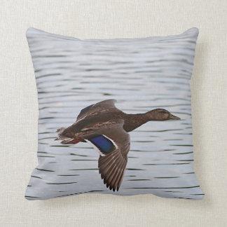 Almofada Pato do pato selvagem em vôo