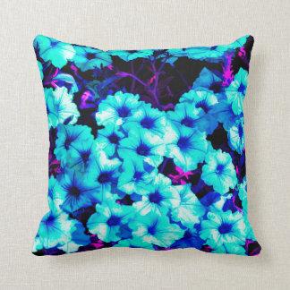 Almofada Petúnias azuis brilhantes