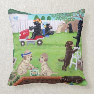 Almofada Pintura de Labradors do divertimento de domingo
