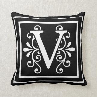 Almofada Preto do monograma da letra V