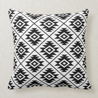 Almofada Preto estilizado do teste padrão do símbolo asteca
