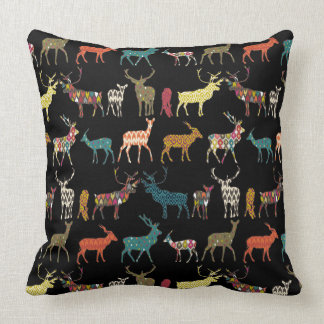 Almofada preto modelado dos cervos