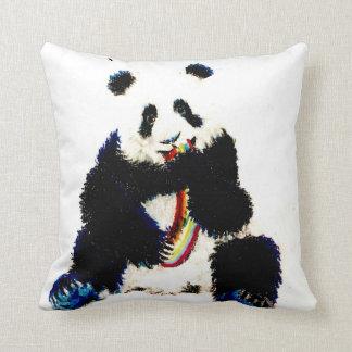 Almofada Quando uma panda travar um arco-íris…