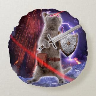 Almofada Redonda gatos do guerreiro - gato do cavaleiro - laser do