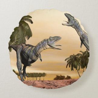 Almofada Redonda Luta dos dinossauros do Aucasaurus - 3D rendem