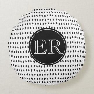 Almofada Redonda Monograma com os pontos em preto e branco