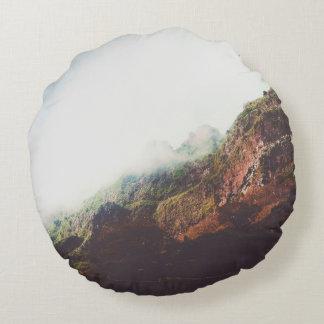 Almofada Redonda Montanhas, cena de relaxamento da paisagem da