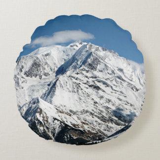 Almofada Redonda Mt. Blanc com nuvens