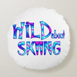 Almofada Redonda Selvagem sobre o esqui