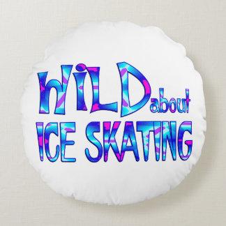 Almofada Redonda Selvagem sobre o patinagem no gelo
