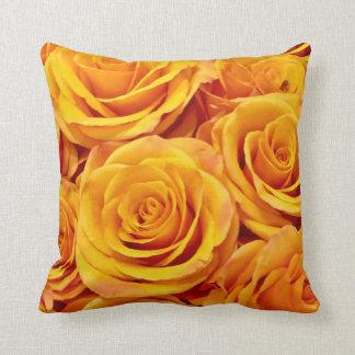 Almofada Rosas dourados amarelos