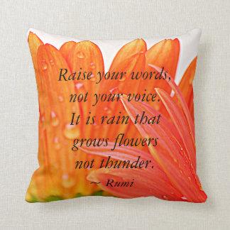 Almofada Rumi:  Levante suas palavras….Margarida alaranjada